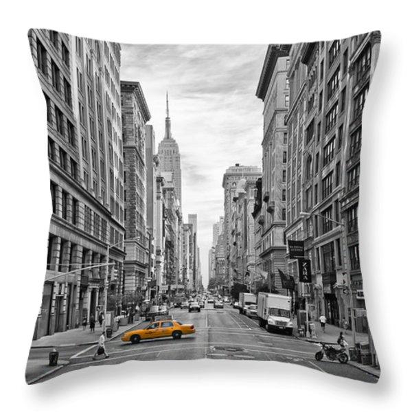 5th Avenue Yellow Cab - Nyc Throw Pillow by Melanie Viola