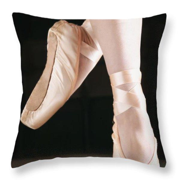 Ballet Dancer En Pointe Throw Pillow by Don Hammond