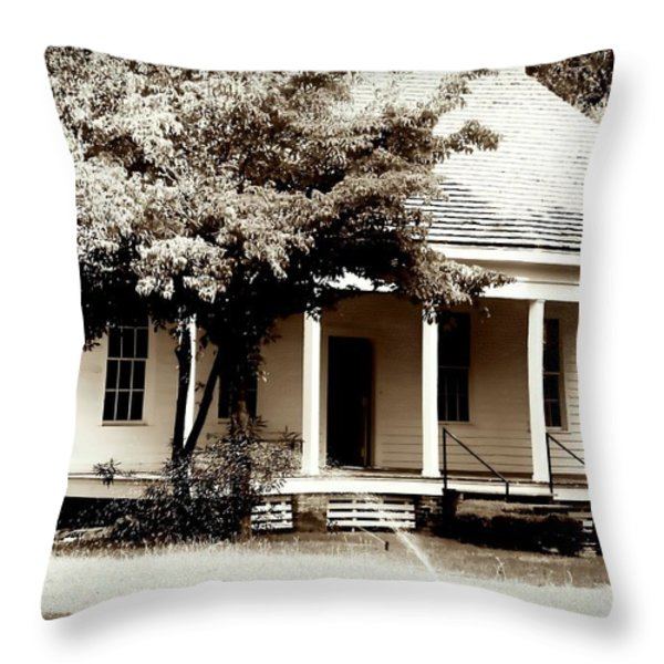Bellavue Plantation  Throw Pillow by Debra Forand