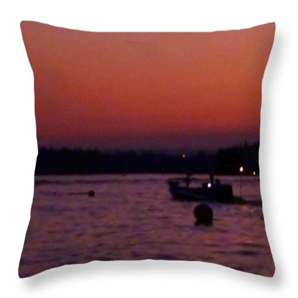 Boaters Red Sky At Night Oregon Throw Pillow by Susan Garren