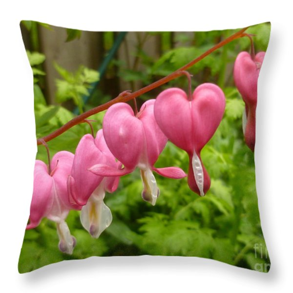 Chains Of Heart Throw Pillow by Lingfai Leung