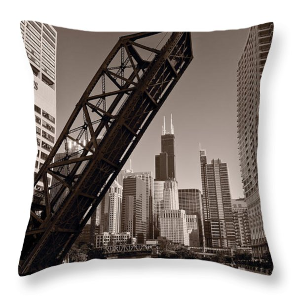 Chicago River Traffic BW Throw Pillow by Steve Gadomski