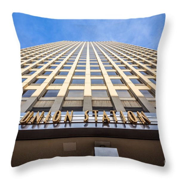 Chicago Union Station Sign And Building Exterior Throw Pillow by Paul Velgos