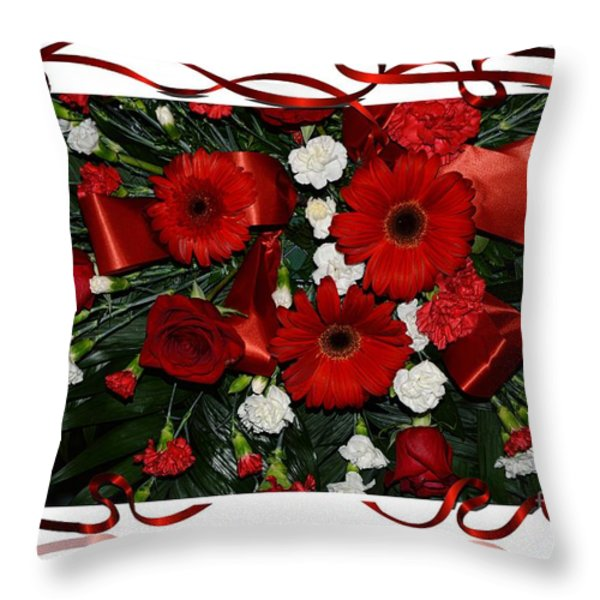 Christmas Bouquet  Throw Pillow by Kathleen Struckle