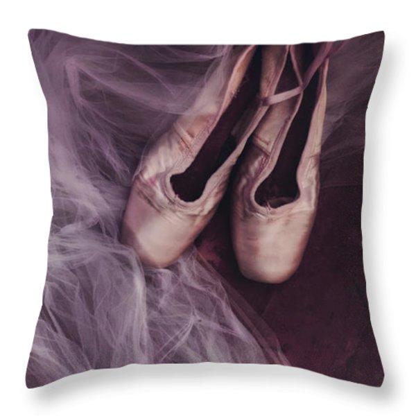 danse classique Throw Pillow by Priska Wettstein