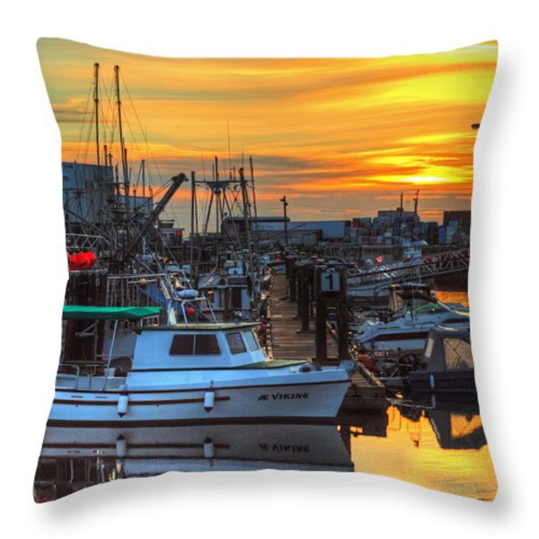 Dawn's Early Light Throw Pillow by Randy Hall