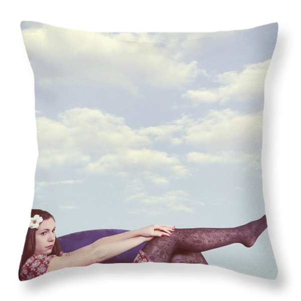 dreaming to fly Throw Pillow by Joana Kruse