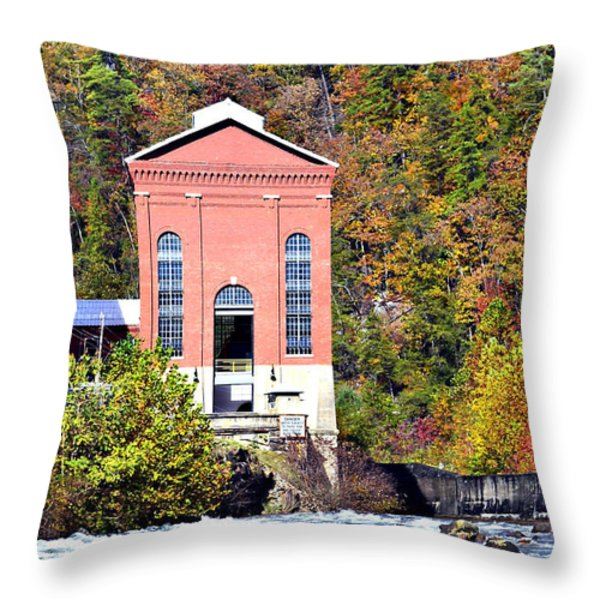 Fall At Tugalo Throw Pillow by Susan Leggett