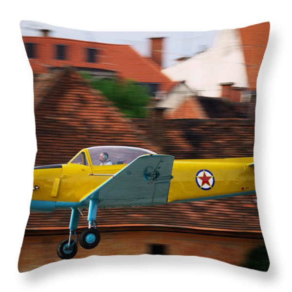 Flying low Throw Pillow by Ivan Slosar