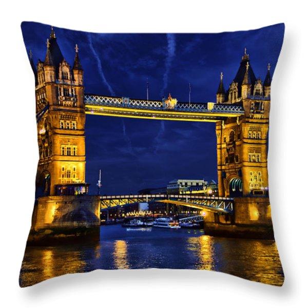 Glow Of The Night Throw Pillow by Ludmila Nayvelt