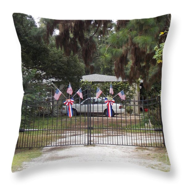 I Love The USA  Throw Pillow by To-Tam Gerwe