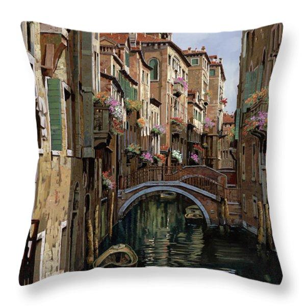 i ponti a venezia Throw Pillow by Guido Borelli