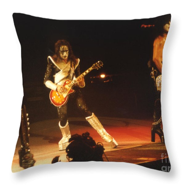 KISS-B33A Throw Pillow by Gary Gingrich Galleries