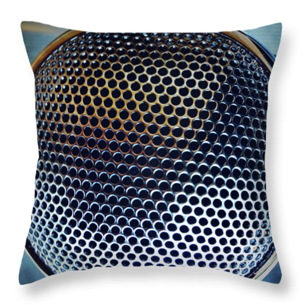 Metal mesh Throw Pillow by Les Cunliffe