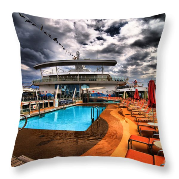 Oasis If The Seas Pool Deck - Hdr Throw Pillow by Amy Cicconi