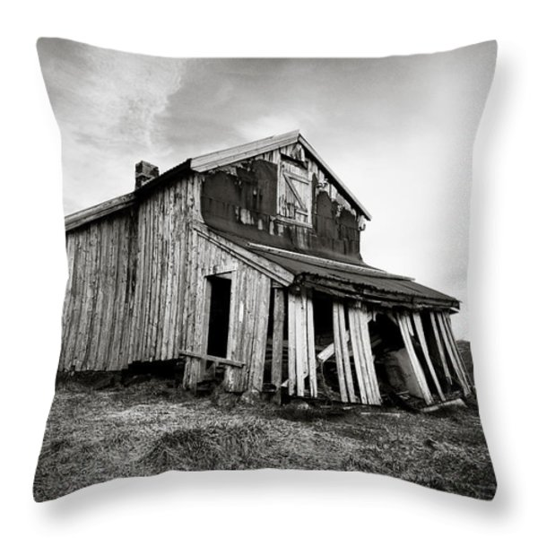 Old Barn Throw Pillow by Dave Bowman