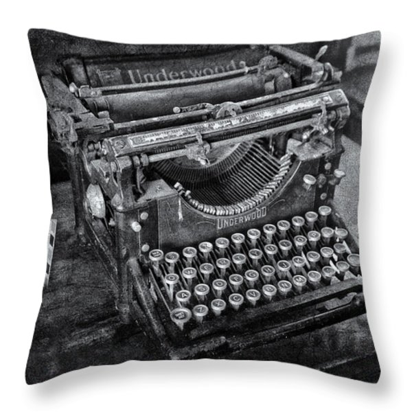 Old Fashioned Underwood Typewriter Bw Throw Pillow by Susan Candelario