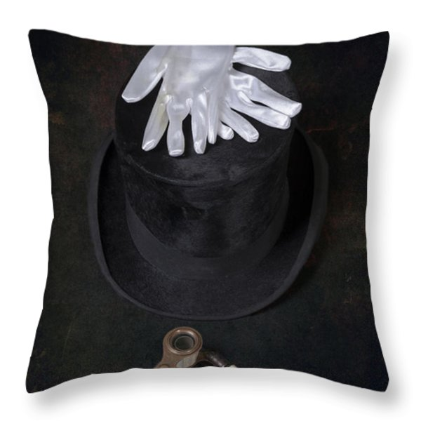 opera Throw Pillow by Joana Kruse