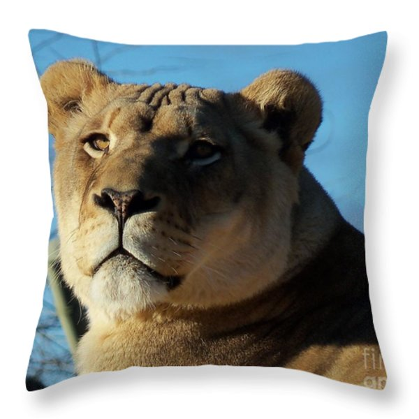 Portrait Of The Mighty Queen Throw Pillow by Lingfai Leung