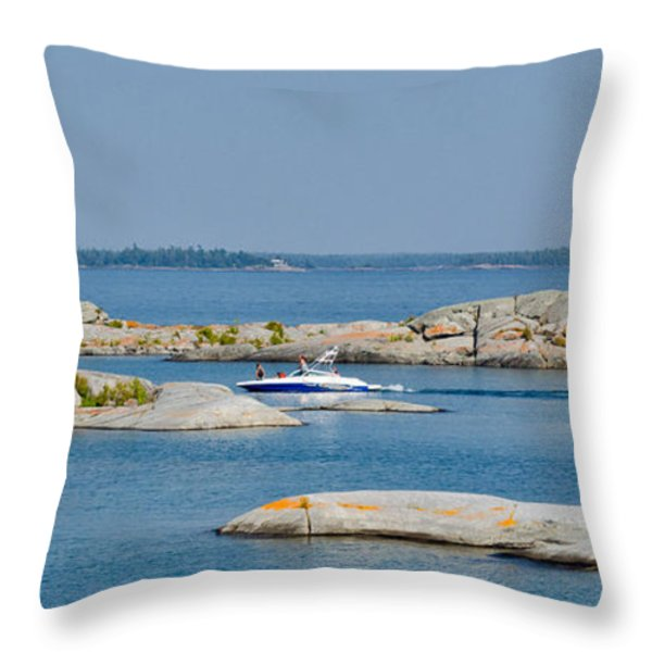 Rocky Islands On Georgian Bay Throw Pillow by Les Palenik