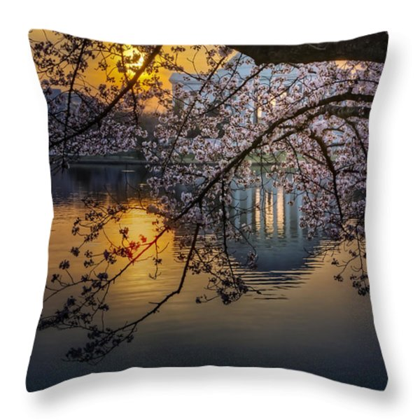 Sunrise At The Thomas Jefferson Memorial Throw Pillow by Susan Candelario