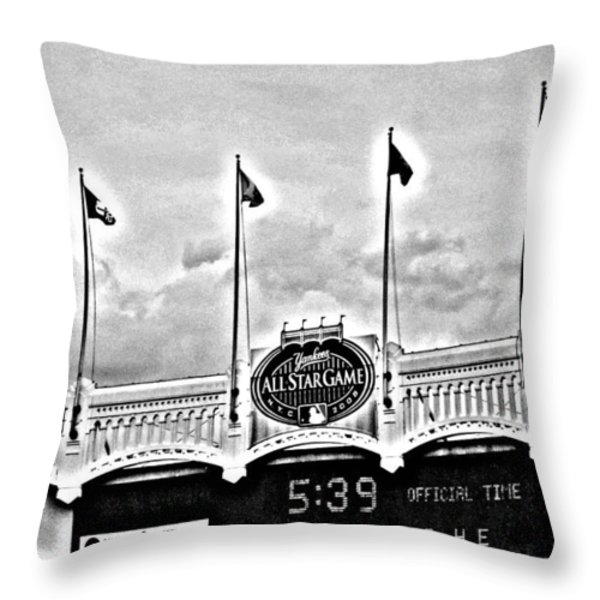 The Final Season - All Star Game Throw Pillow by Aurelio Zucco