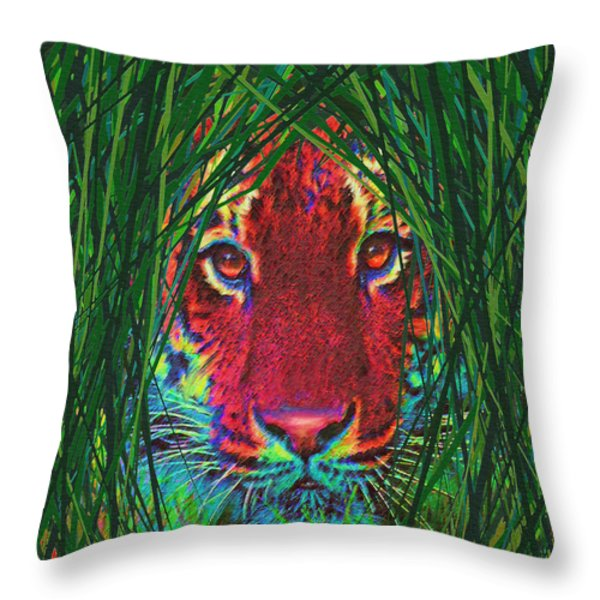 tiger in the grass Throw Pillow by Jane Schnetlage