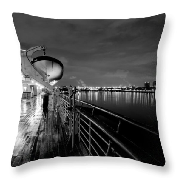 Tribute To Queen Mary Throw Pillow by Heidi Smith