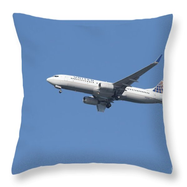 United Airlines Jet 7D21942 Throw Pillow by Wingsdomain Art and Photography