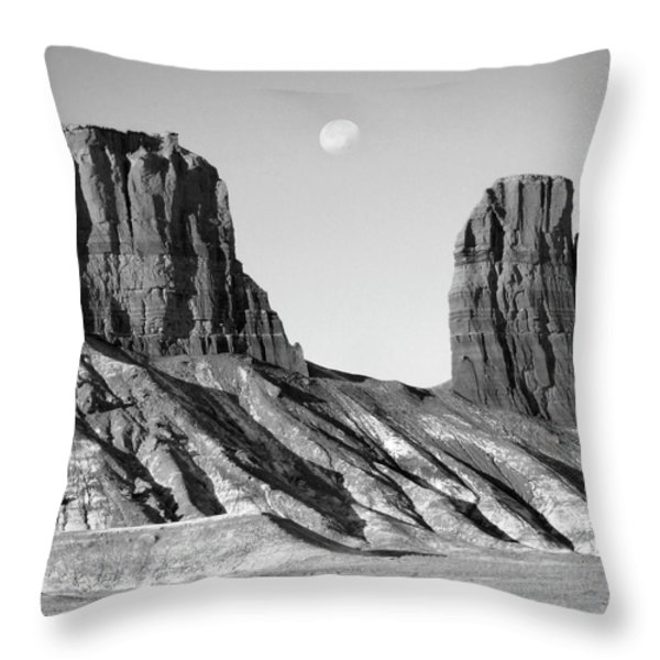 Utah Outback 21 Throw Pillow by Mike McGlothlen