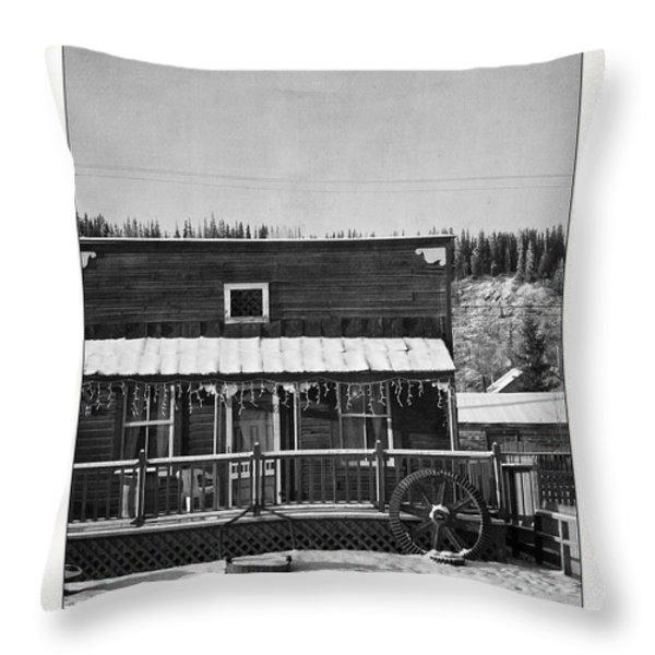3th Avenue Throw Pillow by Priska Wettstein