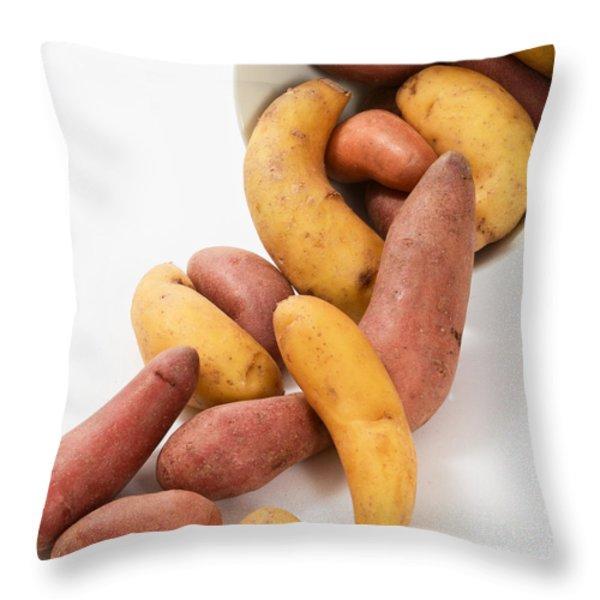 Potato Throw Pillow by Photo Researchers, Inc.