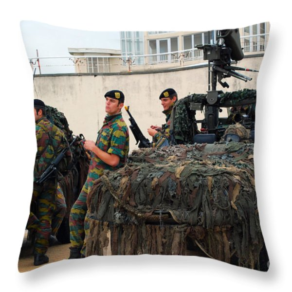 A Belgian Recce Or Scout Team Throw Pillow by Luc De Jaeger