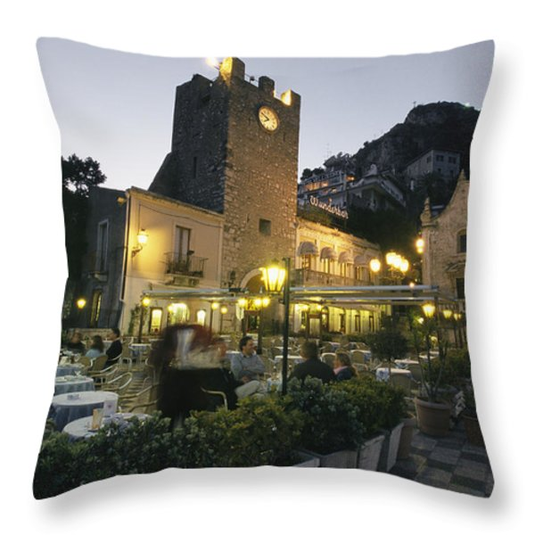 An Outdoor Cafe-restaurant With Diners Throw Pillow by Richard Nowitz