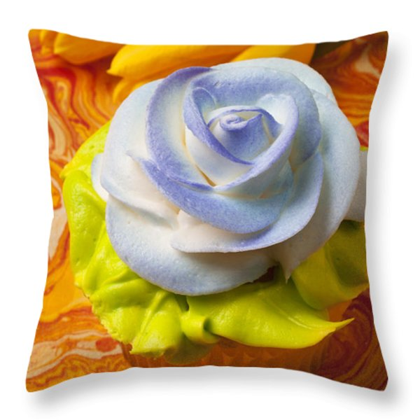 Blue rose cup cake Throw Pillow by Garry Gay