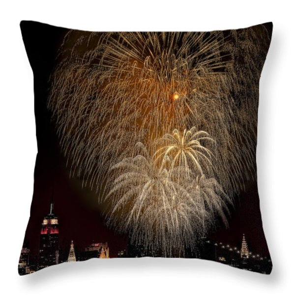 Brooklyn Bridge Celebrates Throw Pillow by Susan Candelario