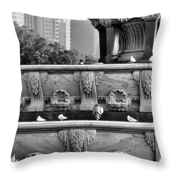 Buckingham Fountain - 5 Throw Pillow by Ely Arsha