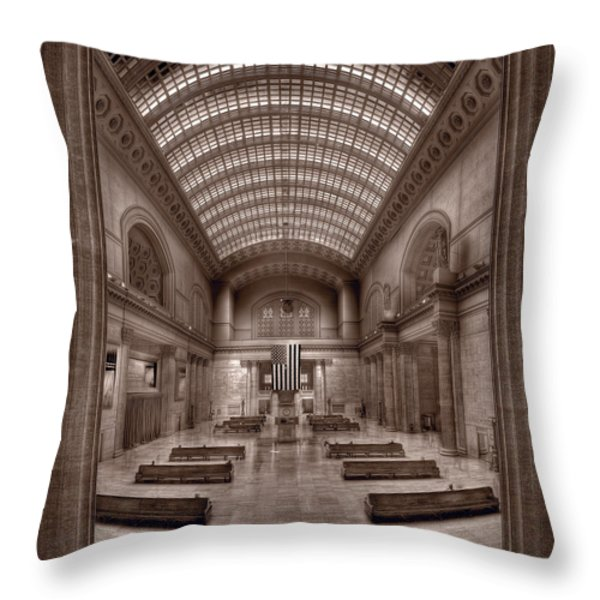 Chicagos Union Station Bw Throw Pillow by Steve Gadomski