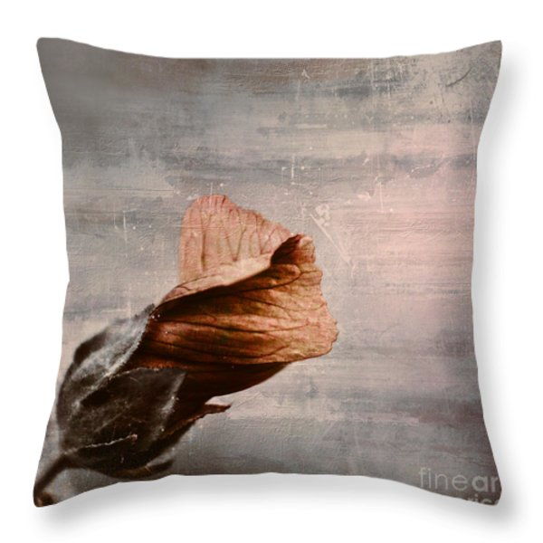 Deploiement - 05ft01b Throw Pillow by Variance Collections