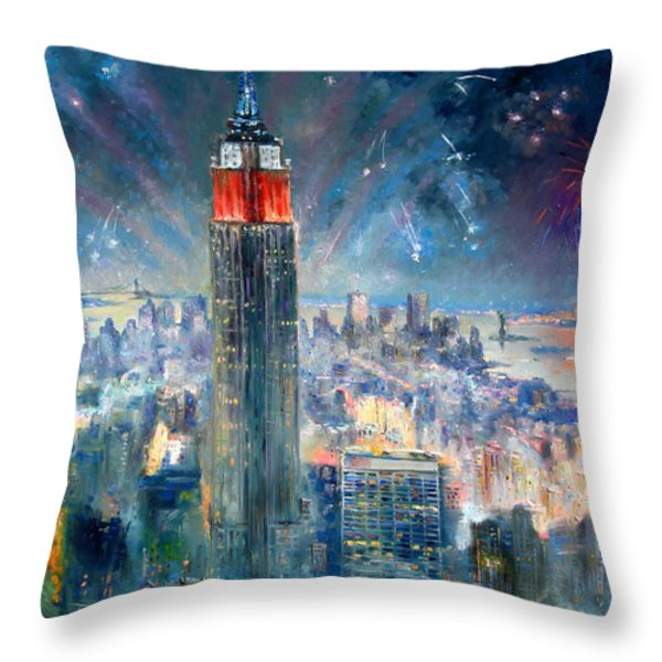 Empire State Building In 4th Of July Throw Pillow by Ylli Haruni