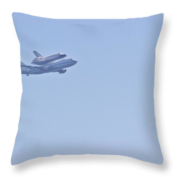 Endeavour Flyover Throw Pillow by Heidi Smith
