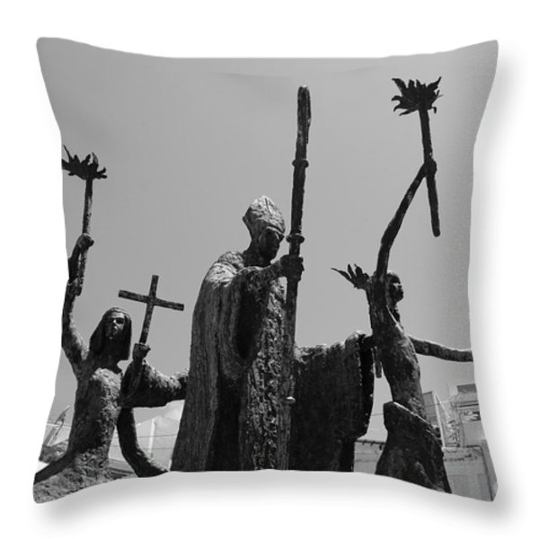 La Rogativa Statue Old San Juan Puerto Rico Black And White Throw Pillow by Shawn O'Brien