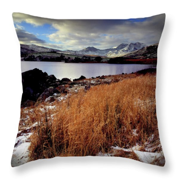 Last Light On Crib Goch Throw Pillow by Peter OReilly
