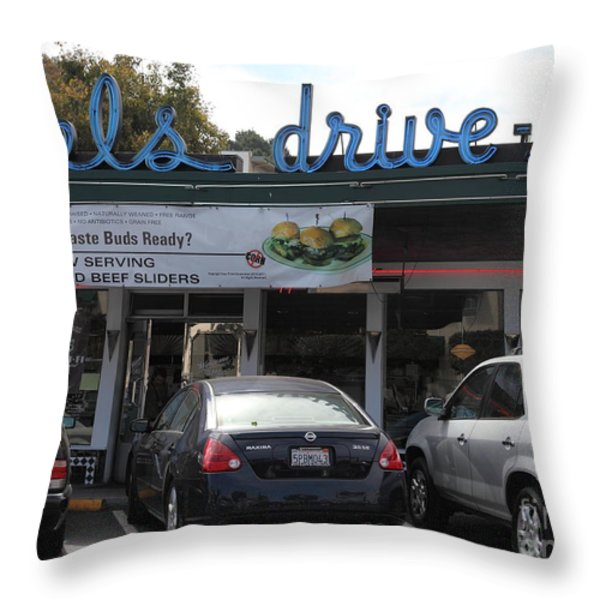 Mel's Drive-in Diner In San Francisco - 5d18014 Throw Pillow by Wingsdomain Art and Photography