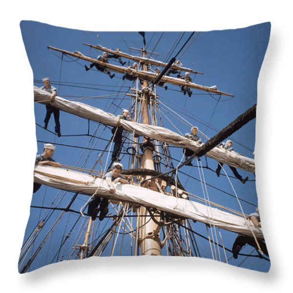 Ngs55_0823.tif Throw Pillow by National Geographic