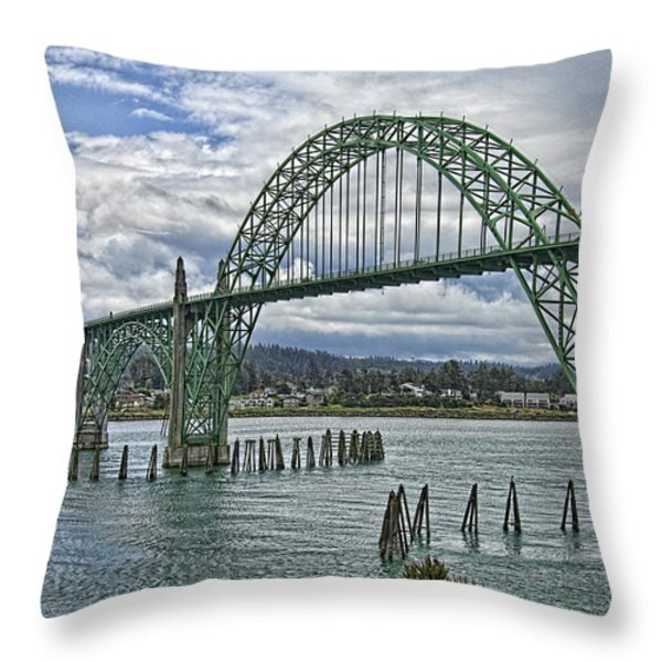 Oregon 2 Throw Pillow by Mauro Celotti
