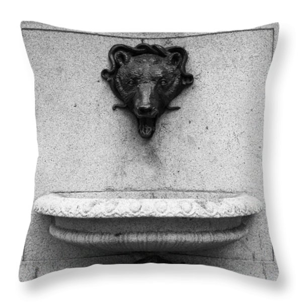 San Francisco - Monument On Market Street - 5d17847 - Black And White Throw Pillow by Wingsdomain Art and Photography