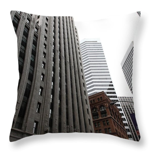 San Francisco Shell Building - 5d17860 Throw Pillow by Wingsdomain Art and Photography