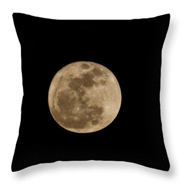 Super Moon 2011 Throw Pillow by Lara Ellis