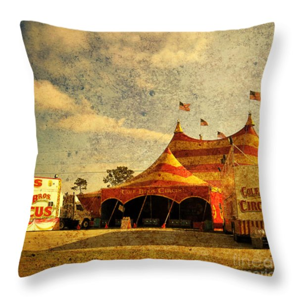 The Circus Is In Town Throw Pillow by Susanne Van Hulst